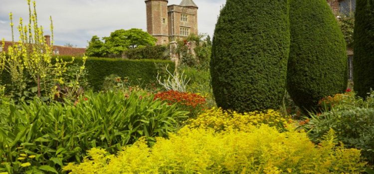 """Sissinghurst, Hidcote and Great Dixter – a Gardener's View"" with Martin Walker"